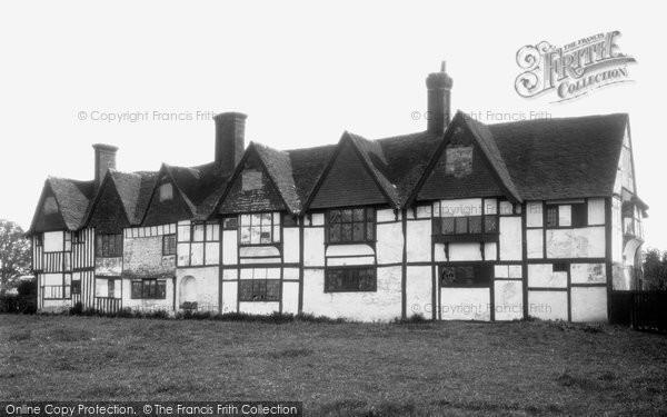 Biddenden, Cloth Workers Hall 1901