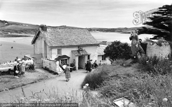 Bigbury On Sea, The Pilchard Inn, Burgh Island c.1959
