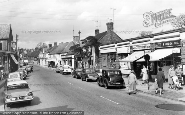 Billingshurst, High Street c.1959