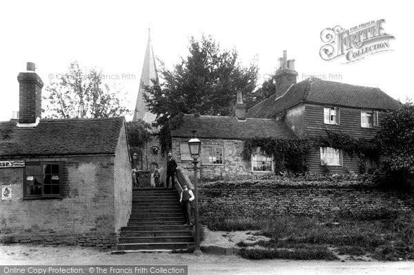 Billingshurst, Ten Steps 1907