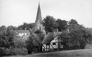 Billingshurst, The Village And St Mary's Church 1928