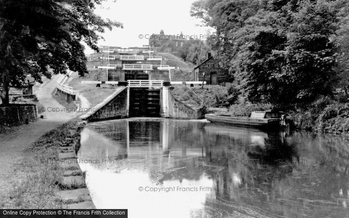 Bingley, Five Rise Locks c.1955
