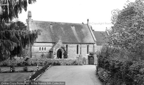 Binstead, Holy Cross Church c.1960