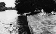 Bisham, A Canoeist And Spectators 1965
