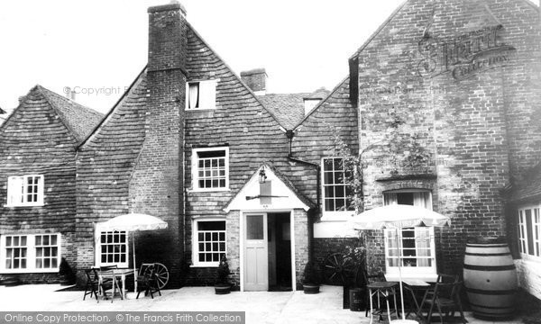 Bishops Waltham, The Crown Inn, The Armoury Bar Courtyard c.1955