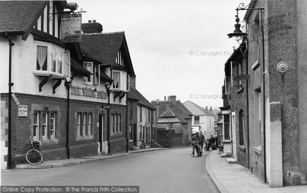 Bishops Waltham, The White Swan, Bank Street c.1955