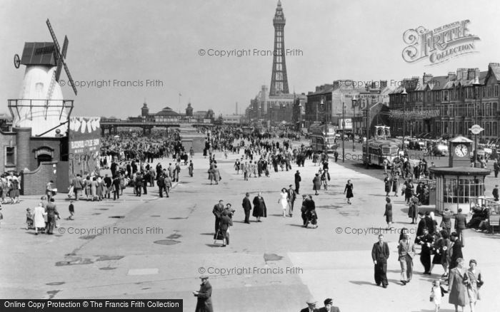 Blackpool, The Promenade 1947