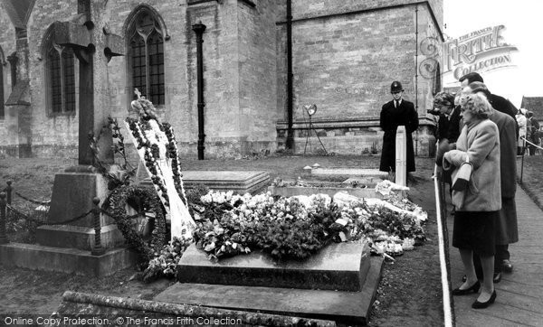 Bladon, Sir Winston Churchill's Grave 1965