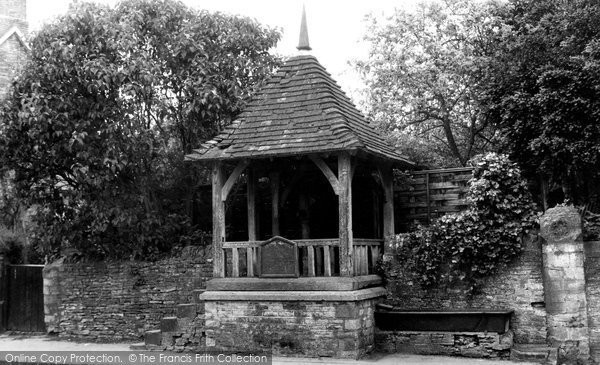 Bladon, The Village Pump c.1960