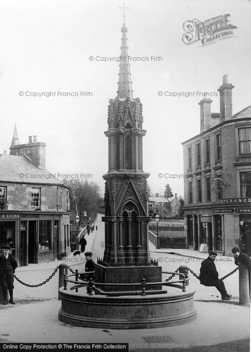 Blairgowrie, Mac Pherson Monument Fountain c.1900