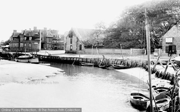 Blakeney, The Blakeney Hotel And Quayside 1925
