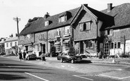 Bletchingley, Market House And Kings Charles Cottage c.1965