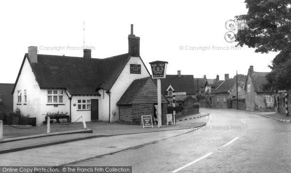 Blisworth, The Royal Oak c.1965