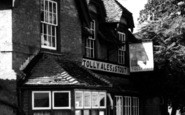Bluntisham, The White Swan c.1955
