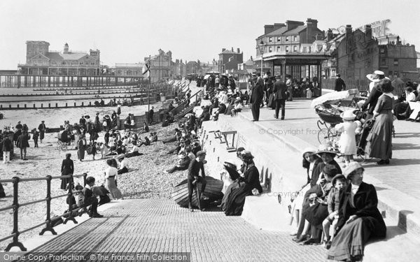 Bognor Regis, East Parade And The Pier 1911