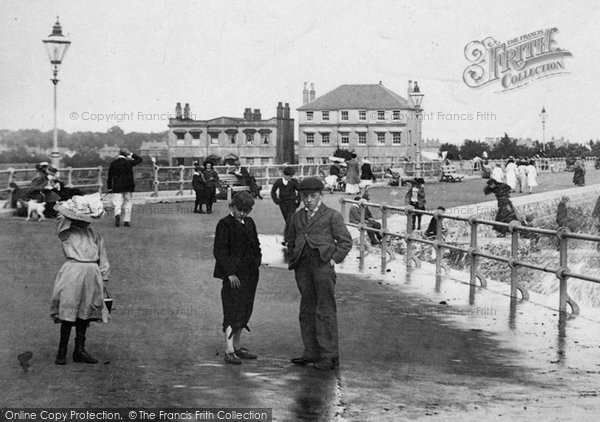 Bognor Regis, Summer Fun, East Parade 1903