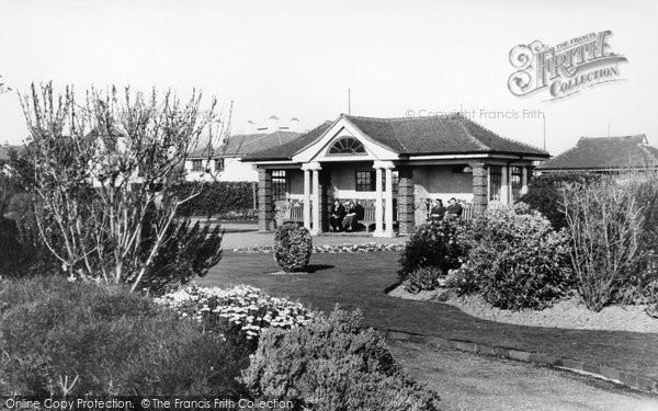 Bognor Regis, Sun Loggia, Marine Gardens c.1955