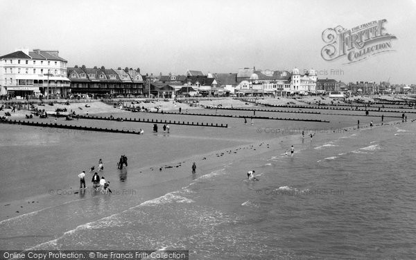 Bognor Regis, The Beach c.1960