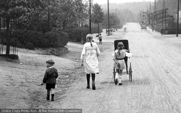 Bordon, Children, Louisburgh Barracks  1919