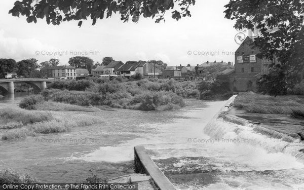 Boroughbridge, The Weir And Salmon Ladders c.1965