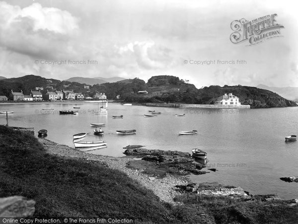 Borth Y Gest, The Harbour 1930