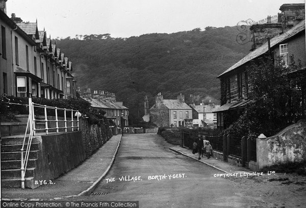 Borth Y Gest, The Village c.1930