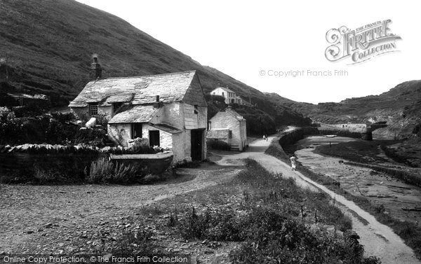 Boscastle, Harbour And Artists Cottage 1936