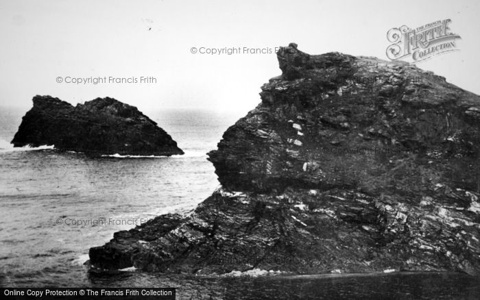 Boscastle, Queen's Head Rock And Meachard c.1930