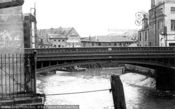 Boston, The Town Bridge c.1955