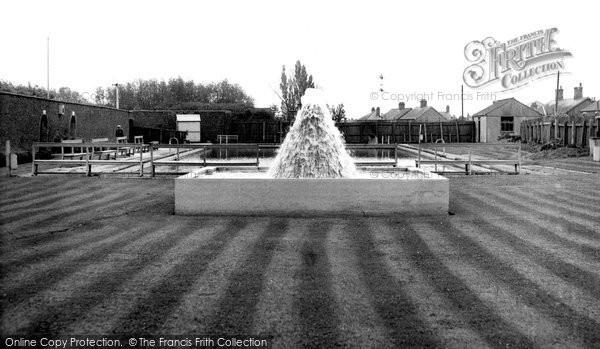 Bourne, Swimming Pool c.1955