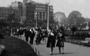 Bournemouth, A Walk In The Gardens 1931