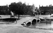 Bourton-on-The-Water, The River Windrush c.1965