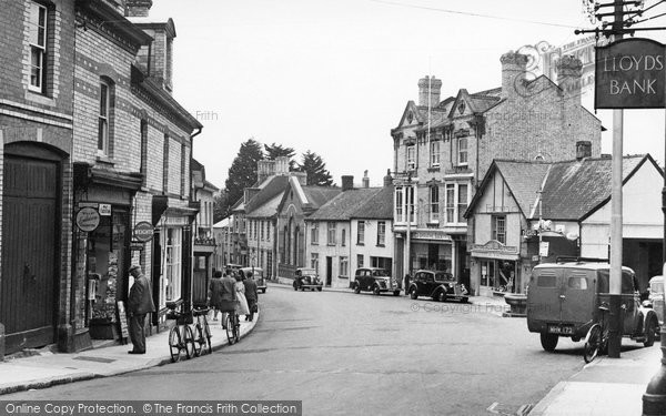 Bovey Tracey, The Square c.1955