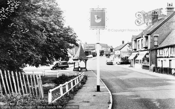 Bovingdon, High Street And The Ryder Memorial c.1965