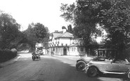 Box Hill, Hotel 1922