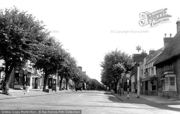 Brackley, High Street c.1955
