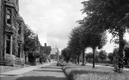 Brackley, The Avenue c.1955