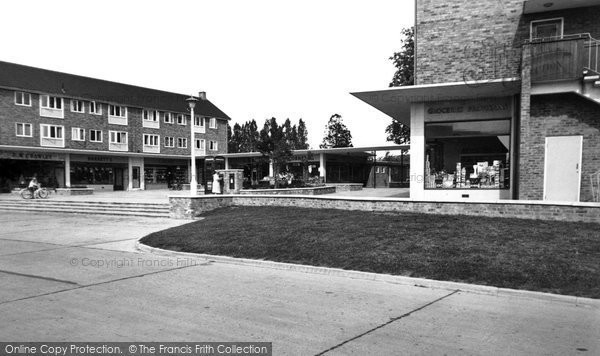 Photo of Bracknell, Priestwood Square c1960