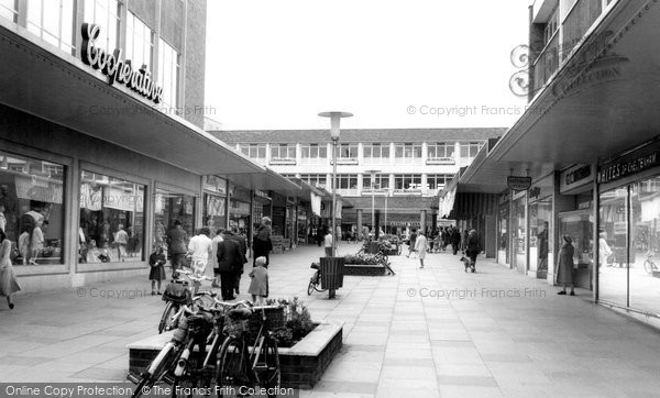 Bracknell, The Crossway c.1965