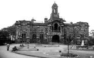 Bradford, Cartwright Memorial Hall c.1950
