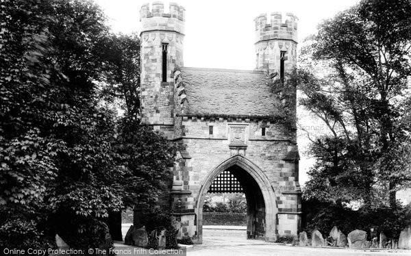 Bradford, Lister Park Gateway 1897