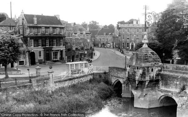 Bradford On Avon, The Blind House And Bridge c.1950