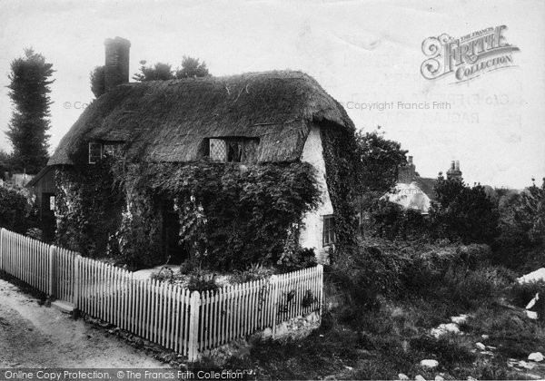 Brading, Little Jane's Cottage 1908