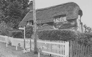 Brading, Little Jane's Cottage c.1960
