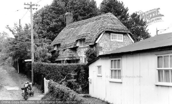 Brading, Little Jane's Cottage c.1960
