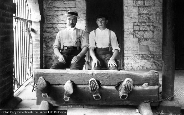 Brading, The Stocks 1908