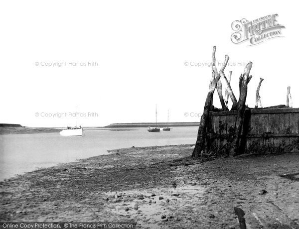 Photo of Bradwell-On-Sea, the Quay c1960