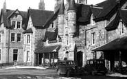 Braemar, Invercauld Arms Hotel 1930