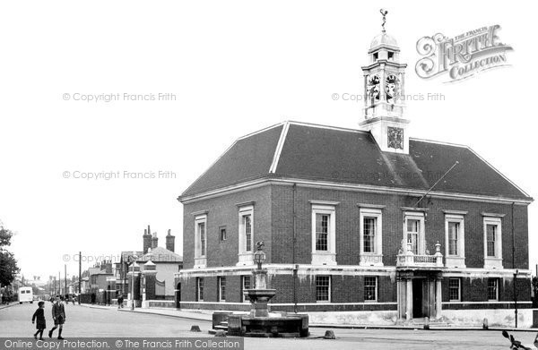 Braintree, Manor Street And Town Hall c.1955