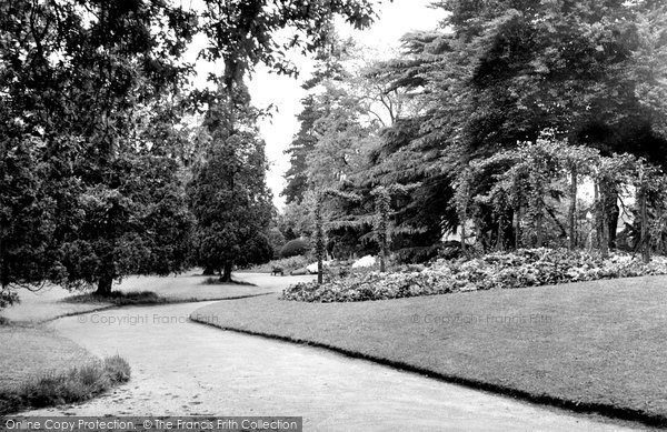 Braintree, The Public Gardens c.1955